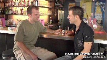 Garotos Gays na Transa Sacana no Bar