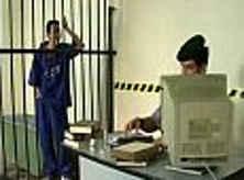 Policial Sarrando o Cuzinho do Vagabundo