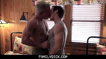 Gay Novinho Amador Dando o Cuzinho pro Daddy
