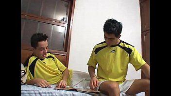 Sexo Gay Entre Garotos Depois do Futebol