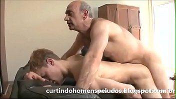 Coroa Gay com Novinho no Sexo Bareback Amador