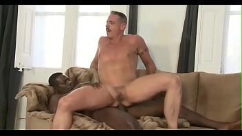 Sexo Boy Amador Sentando na Vara Grande e Negra