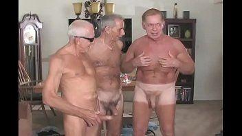 Orgia Gay do Garoto Viado em Suruba com Velhos