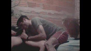 Sexo Gay Caseiro com Favelados em Orgia no Barraco